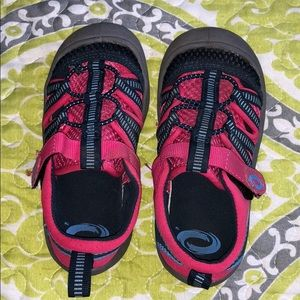 Other - Girls water shoes